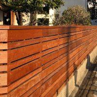 【名古屋市中区ウッドフェンス工事】硬質木材メンテナンス不要